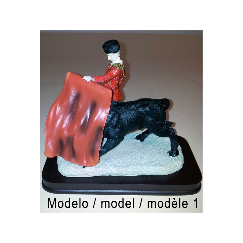 Figurines de toreros et taureaux