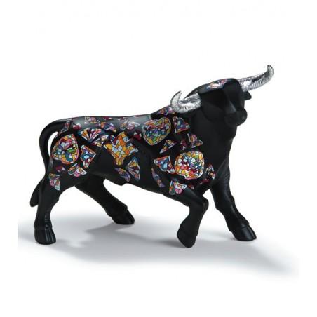 """Sirenes"" bull figure from Nadal"